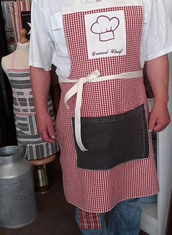 Tablier de cuisine en vichy rouge